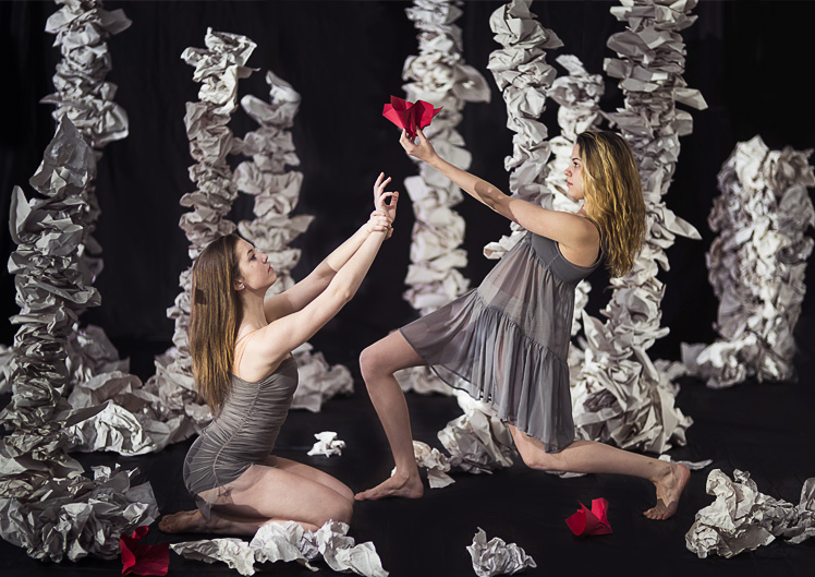 Dancers in Altered Archives. Photography by Lindsay Benson Garrett.